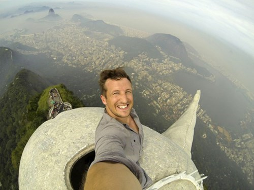 Pack it Up, the Best Selfie Ever is on Top of Rio De Janeiro's Christ the Redeemer Statue