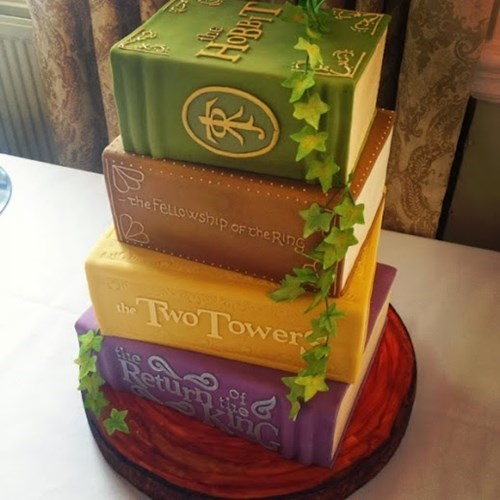 Tolkien Cakes Look Good Enough To Read