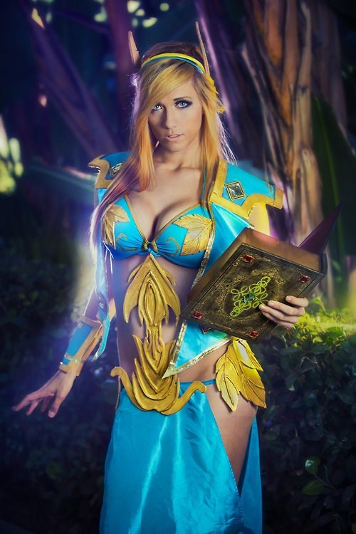 Lindsay Elyse as a Priest from World of Warcraft