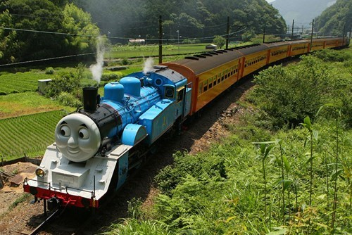Photo of the Day: IRL Thomas the Tank Engine Spotted in Japan