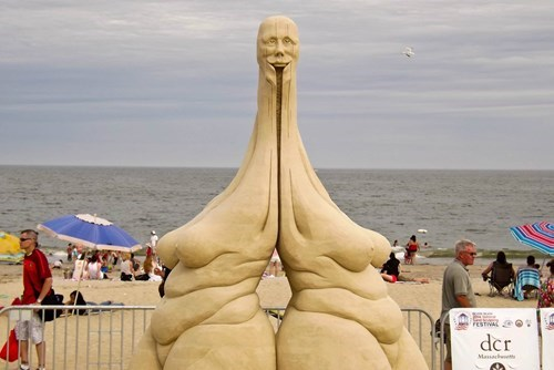This Sand Art is Creeping Me Out and Awing Me at the Same Time