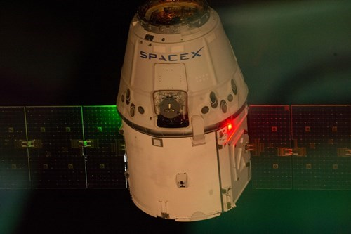 SpaceX's Dragon in Flight