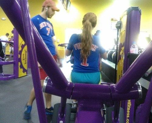 hair,sports,jersey,poorly dressed,ponytail