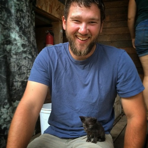 Big Beard and an Small Kitten