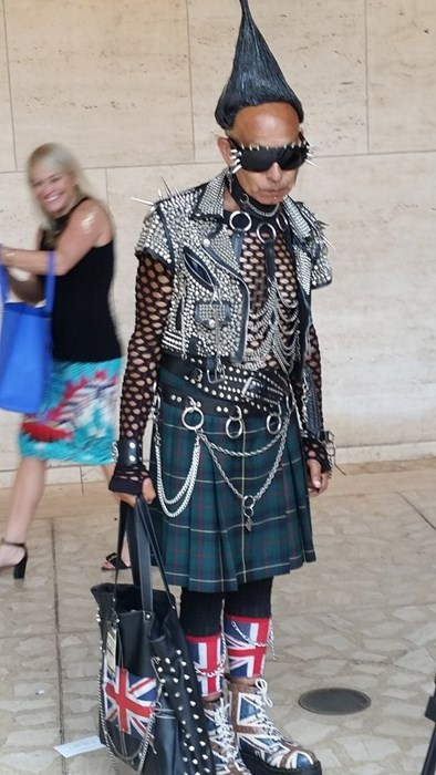 punk,kilt,poorly dressed,spikes