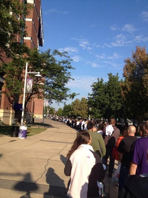 Photo of the Day: The Line for the Ray Rice Jersey Exchange at Ravens Stadium