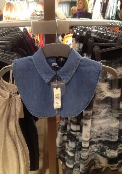 collar,poorly dressed