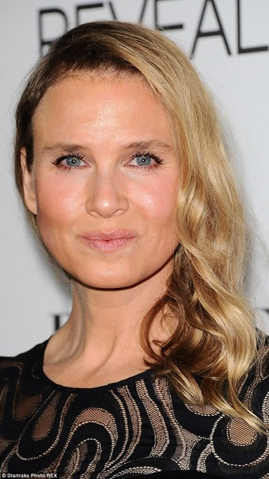 The Internet is Having a Collective Freakout Over Renee Zellweger's Face