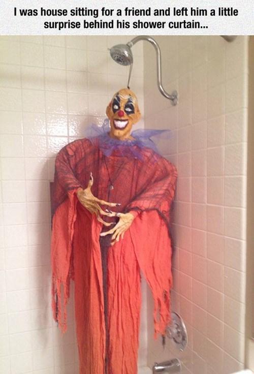 halloween,shower,scare pranks
