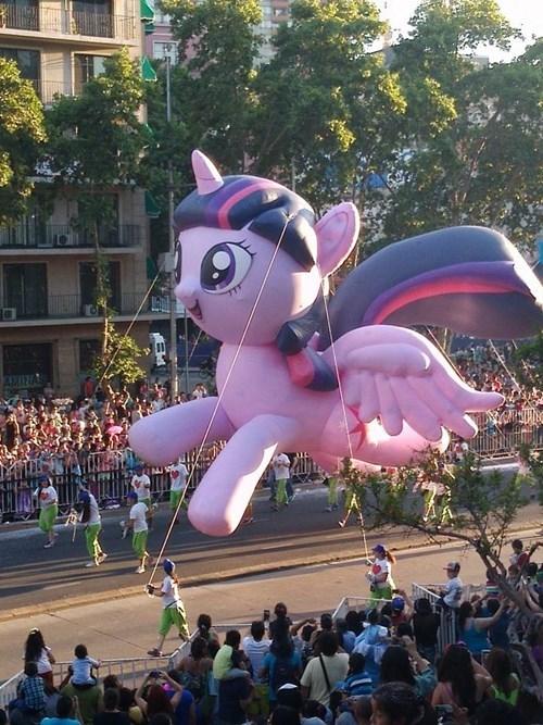 derp,balloon,parade,twilight sparkle