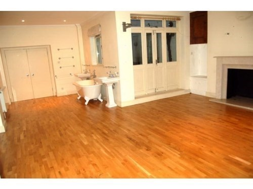 "Craigslist be like ""spacious one-bedroom w/ Full sized bathroom!"""