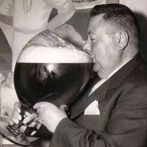 beer,men,awesome,huge,funny