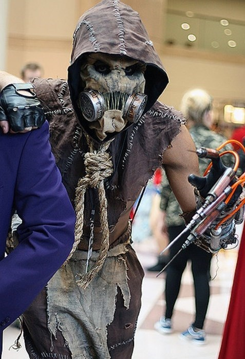 Awesome Scarecrow Cosplay Is Terrifying Enough On It's Own