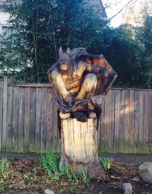 sculpture,batman,tree