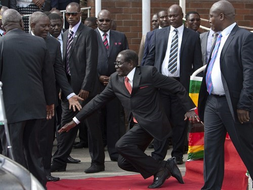 Zimbabwean President (and All-Around Awful Dictator) Robert Mugabe Wants This Picture of Him Tripping at Harare Airport Removed From the Internet