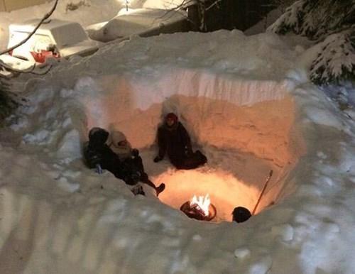epic-win-pics-boston-snowstorm-fireplace-campfire