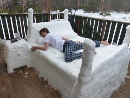 epic-win-pics-snow-bed