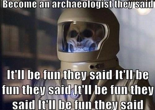 funny-doctor-who-vashta-nerada-skull-archaeologist