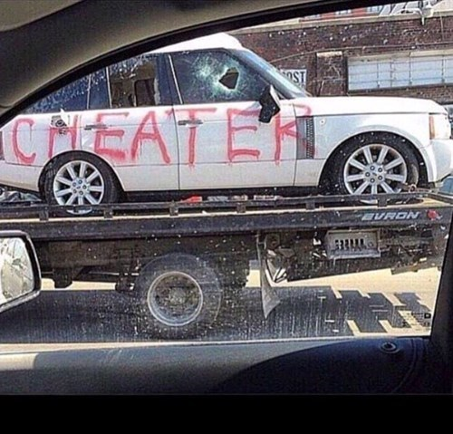this is why you shouldn't  cheat, breakup with them first