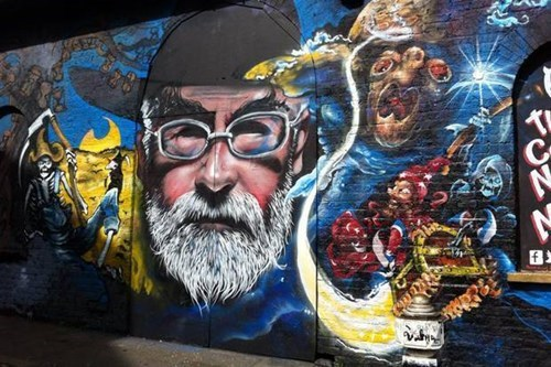 Honoring Terry Pratchet With a Cool Street Art Mural