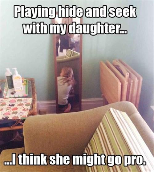 funny-parenting-pic-hide-and-seek