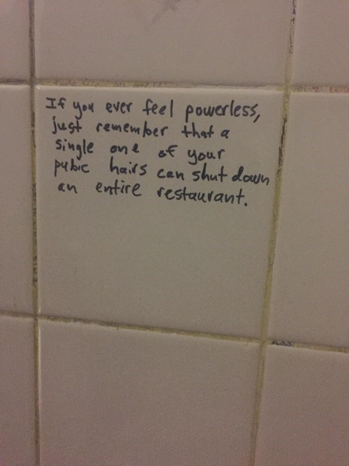 funny-win-pic-bathroom-graffiti