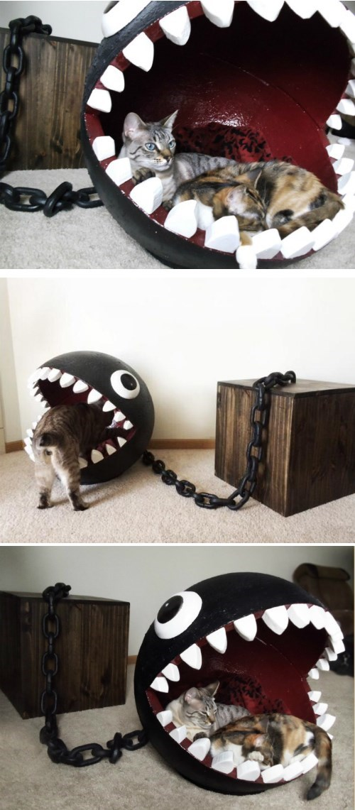 geeky-merch-chain-chomp-cat-bed