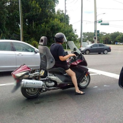 epic-win-pic-diy-motorcycle-chair