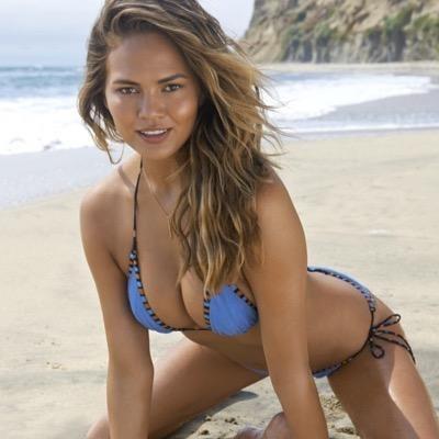 Nude to Instagram, here comes Chrissy Teigen.