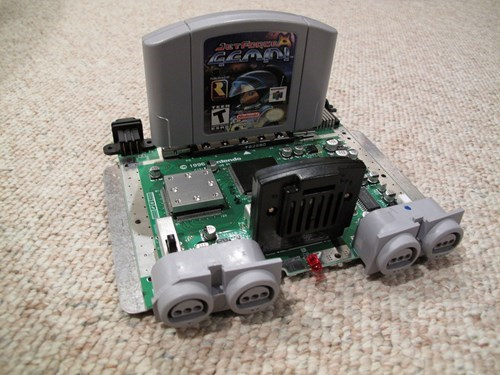 A Nintendo 64 Without Its Case Looks Kind of Miniature