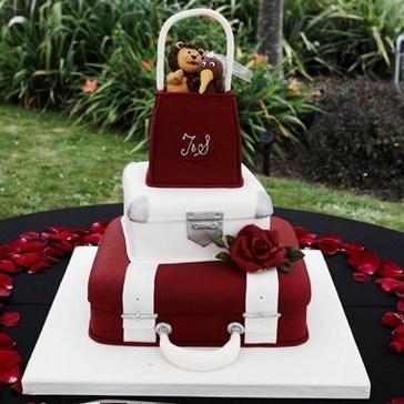 Ready-to-Travel Wedding Cake!