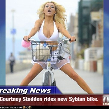 Breaking News - Courtney Stodden rides new Sybian bike.