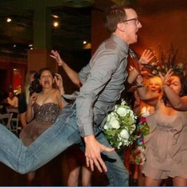 He Really Didn't Want His Date to Catch the Bouquet
