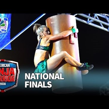 Jessie Graff Flies Through Stage 1 of the American Ninja Warrior Course, Just Like Super Girl Would