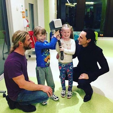 Chris Hemsworth and Tom Hiddleston Visit Children's Hospital In Australia