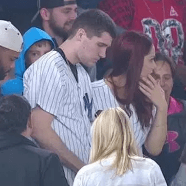 Watch This Dude Lose Ring during His Failed Marriage Proposal Attempt, in Front of Millions of People