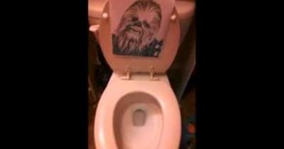 impression chewbacca similar sounding lol sound toilet funny stupid - 100684033