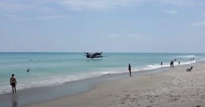risky dangerous Video airplane - 106743809