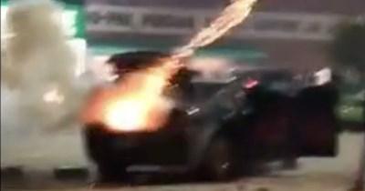 explosion FAIL car fireworks new years eve - 359174