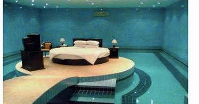 crazy-bedroom-with-pool-looks-just-like-snorlax