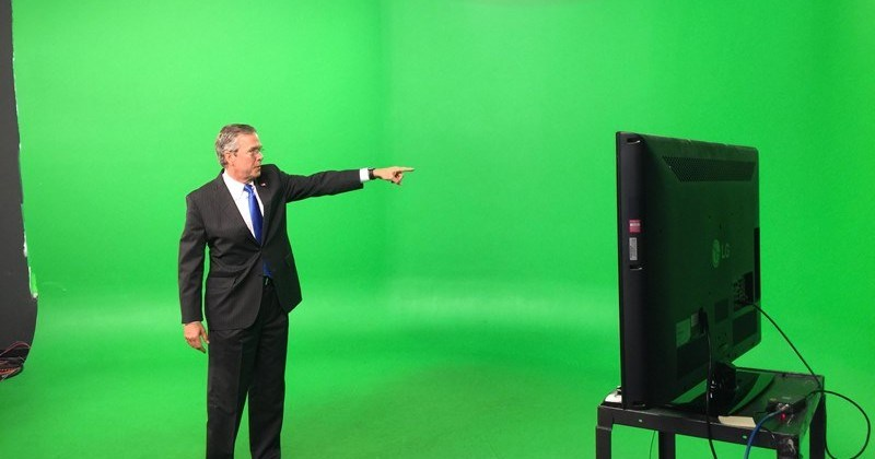 Photoshop Battle of the Day: Jeb! Bush Stands in Front of a Green Screen, Making Photoshops So Much Easier